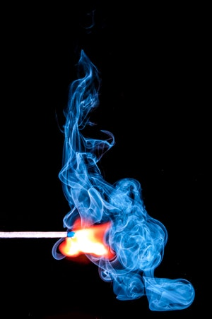 b-match-sticks-smoke-ignite-54627